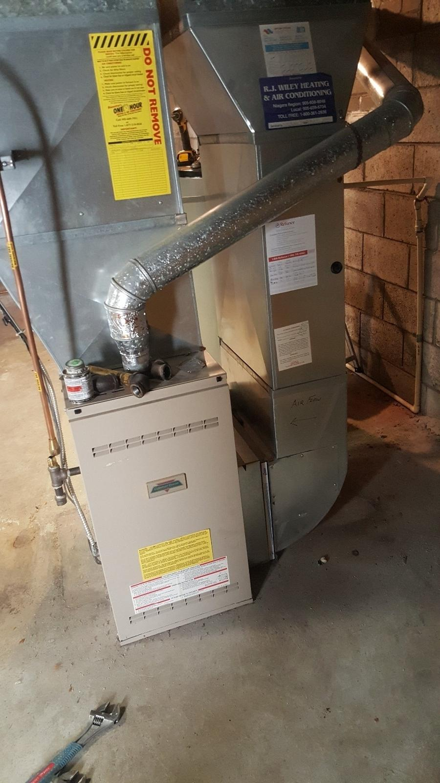 Furnace Air Conditioner A C Water Tank Rooftop Duct